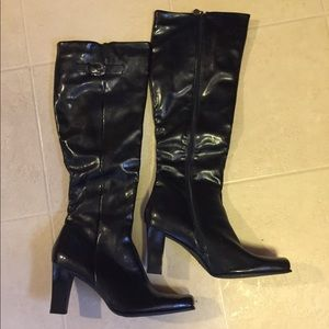 Final Price NWOT Etienne Aigner faux leather boot